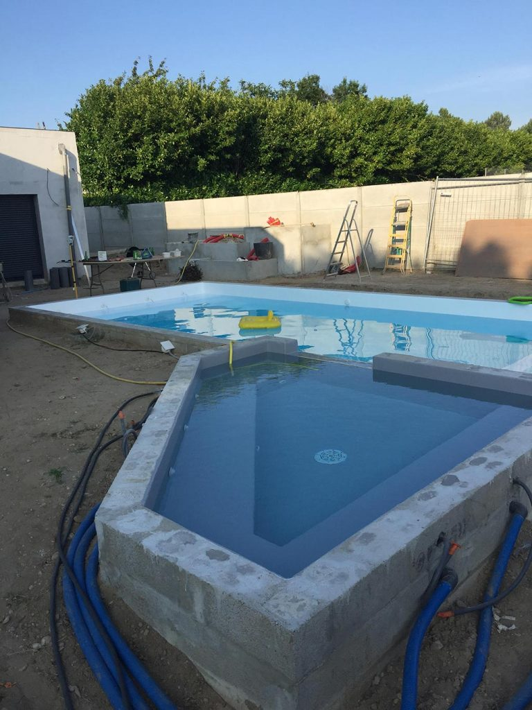 Résine piscine stratification